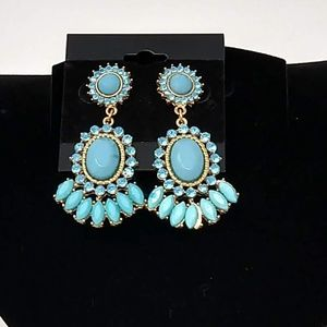 Turquoise Cabachon and Goldtone  Earrings